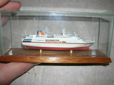 Columbus 1997 - CSC 1:1250 Vollrumpf Schiff in Glasvitirine