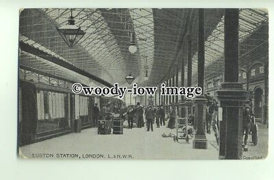 ry1330 - L.&. N.W.R.Locomotive at Euston Station c1911, London - postcard
