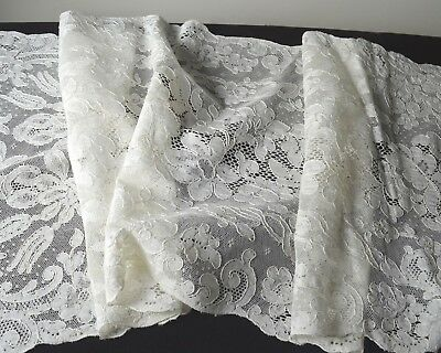 Fabulous Vintage Extra Long Alencon Lace Table Runner Tt444