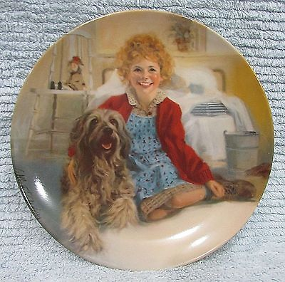 Old 1983 Little Orphan Annie and Sandy Vintage Knowles Collector Plate FREE S/H