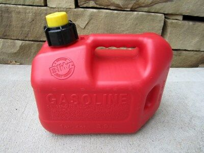 NEW Blitz 1 Gallon + 4oz Gas Fuel Can with Vented Fixed Spout 50805 NOS USA