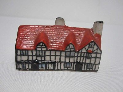 W H GOSS CRESTED CHINA MODEL OF SHAKESPEARE'S HOUSE w Rd# 225833