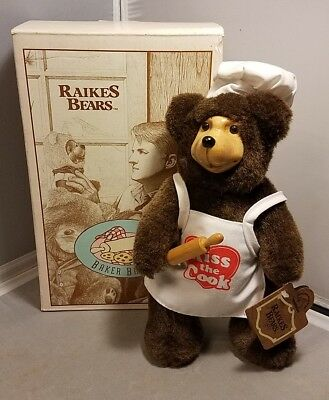 Raikes Bears Baker Brent Kiss the Cook 1994 Applause with Box