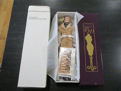 "NEW Tyler Wentworth  Robert Tonner Casual Luxury 16"" Doll #20807 Doll Figurine"