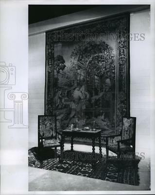 1964 Press Photo 16th Century European Lowland and Caucasian Antiques, Milwaukee