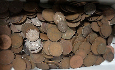#44. ABOUT 2.5  KILOGRAMS AUSTRALIAN HALFPENNY &  PENNY COINS, 1911 to 1964