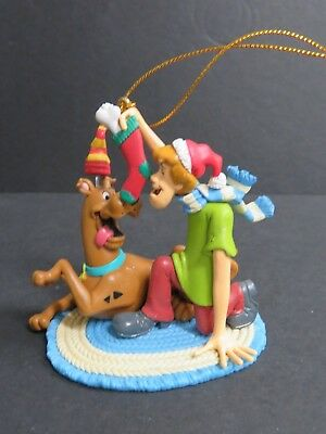 2001 Scooby Doo & Shaggy Christmas Holiday COLLECTIBLE Ornament  (C-5)