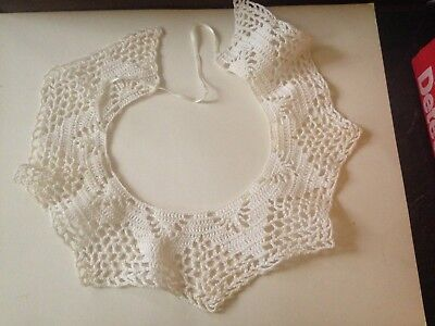 Vintage Hand Crochet Lace Collar Neck Accent Off White Beautiful