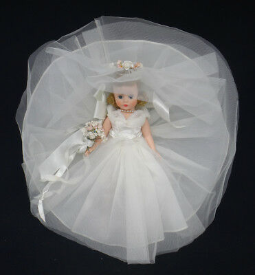 "vintage MADAME ALEXANDER ""CISSETTE"" BRIDE 0970 bent-leg blond doll BOX 1956-57"
