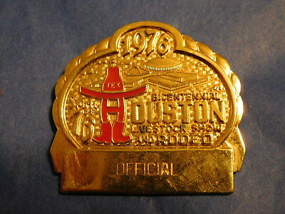 1976 Official Badge Pin Houston Livestock Show & Rodeo HLSR Texas Bicentennial