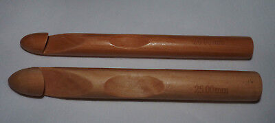 NATURAL BAMBOO WOOD CROCHET HOOKS SIZES 20/ 25MM x 15cm #CRAFT/ CHUNKY KNIT