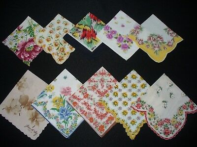 Lot of 25 Vintage Floral & Print Hankies Handkerchiefs Good Condition