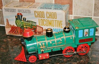 Vintage 1960's Battery Operated CHOO CHOO LOCOMOTIVE by MARX - Boxed & Working