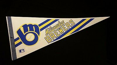 MILWAUKEE BREWERS Felt full size Vintage PENNANT flag MLB Baseball