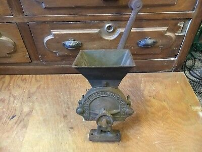 antique CAST IRON ARCADE GRIST CORNMEAL COFFEE GRINDER countertop original No 1
