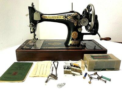 Singer 28 Vintage Hand Crank Sewing Machine ~ Good Working Order Antique