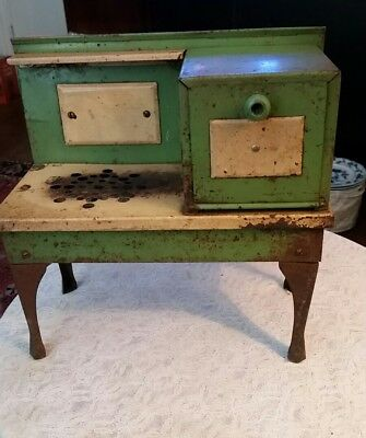 Antique Green Metal Ware Corp. Empire Electric Kid's Stove/Oven