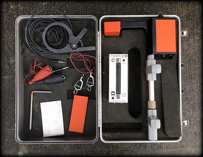 Metrotech 810 Pipe and Cable Locator Transmitter and Receiver In Travel Case