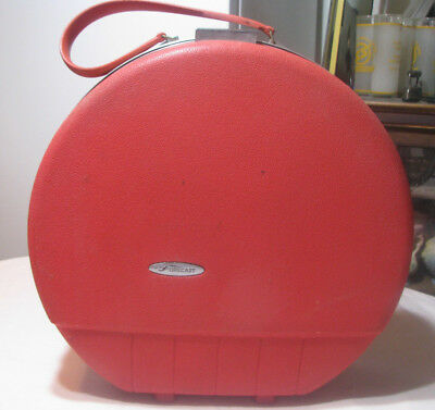"Vintage FORECAST RED Train Travel Suitcase Bag w/3 Zipper Cases 16 1/2"" Diameter"