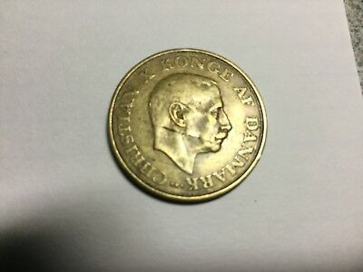 DENMARK 1942 1 Krone  coin circulated, obverse flaw