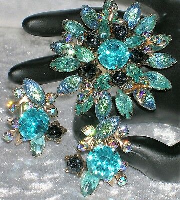 Gorgeous Vintage Molded Glass & Rhinestone Turquoise Color Brooch & Earring Set
