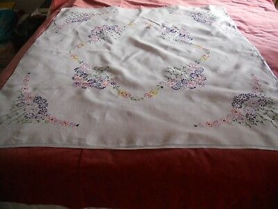 """Vintage NICE white linen 43"""" x 41"""" TABLECLOTH hand embroidered floral motif"""