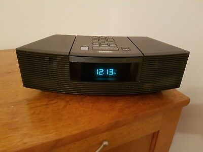 Bose Wave Radio and CD Player / Alarm Clock - Great condition