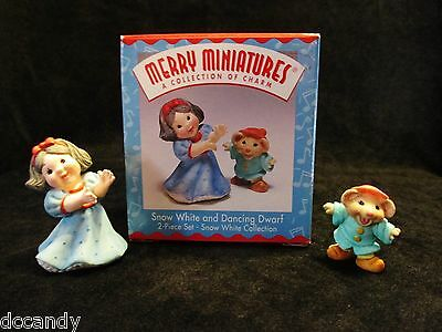 1996 Hallmark Ornament Merry Miniatures Snow White and Dancing Dwarf