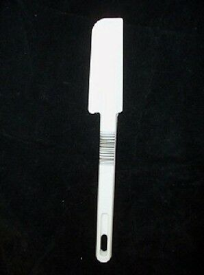 Rubbermaid Commercial Icing/jar Spatula Scraper Narrow New 1913 White