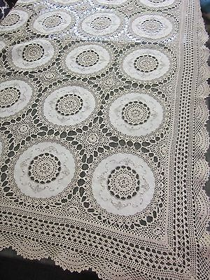 135 x 180cm crochet & embroidered medallion TABLE CLOTH 8 NAPKINS new spotting