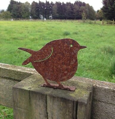 Rusty Metal Robin Fence Post Topper / Garden Silhouette  Ornament