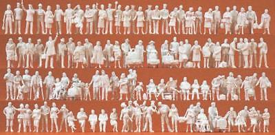 Preiser 16352 At The Train Station 120 unpainted figures H0