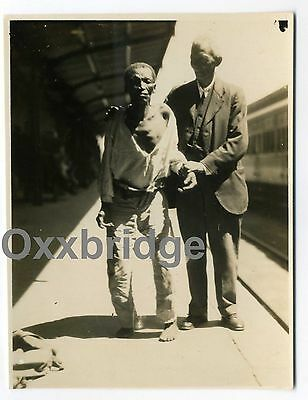 BEGGAR & MISSIONARY Touching Emotional Photo Compassion 1900 Poverty Almighty