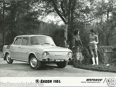 Skoda 110L Original Press Photograph Motokov 8 Glamour Girls in Mini Skirts 1969