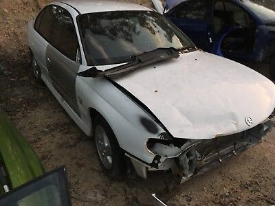 VX Holden Commodore S pack sedan V6 5 Speed manual Suit parts or repair