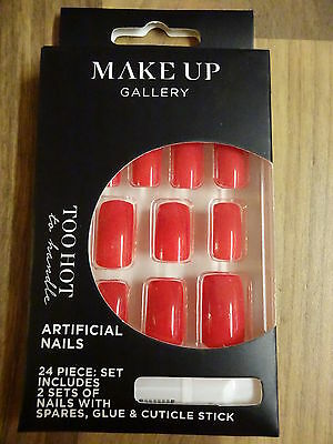 Make-Up Gallery Too Hot Red False Nails 24 Piece With Glue Party Gift New