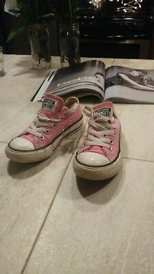 6af02a31864250 Pink CONVERSE All Star Chuck Taylor Shoes Kids 11.5 low Tops 🌸⭐️used