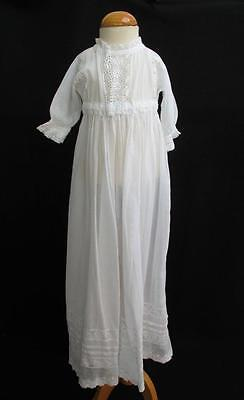 ANTIQUE EDWARDIAN WHITE MUSLIN & EMBROIDERED WHITEWORK BABY'S DRESS GOWN c1910