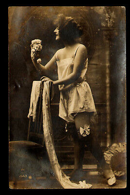 B56 RP French Glamour Girl Lingerie Risque PC Series No. 1543 Paris Unposted
