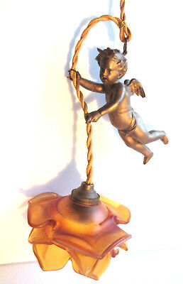 Chandelier metal gold, 1900, style Napoleon III, cherub, angel bearing the light