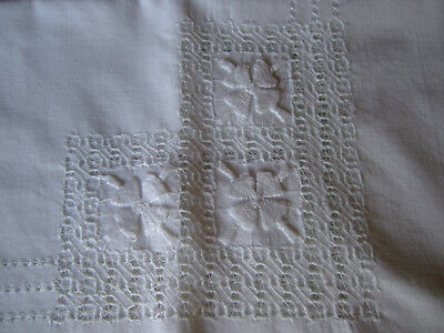 "A Vintage Beautiful White Cotton Tablecloth.Raised Whitework & Lace.48""x 62"" VGC"