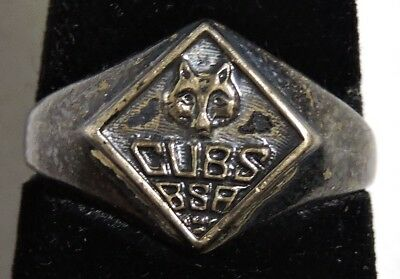 S018. VINTAGE: BSA Boy Scouts of America CUB SCOUT Sterling Ring (1950's) ~~