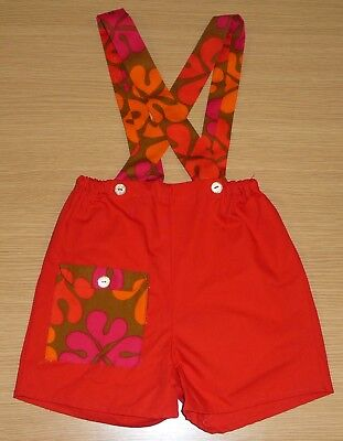 VINTAGE 1970's UNWORN KIDS RED & BROWN FLORAL SHORT DUNGAREES AGE 6-7 YEARS