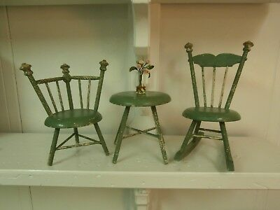 EARLY 1900's ERA 3 PC ANTIQUE GREEN PAINTED WOOD SHABBY DOLL TABLE & 2 CHAIRS