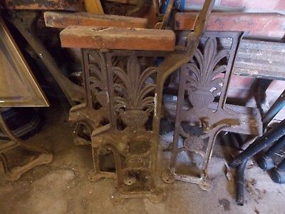 6 x vintage/antique cast iron chair/bench ends. Makes 3 chairs or 3 benches