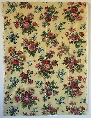 Beautiful 1930's French Floral Cotton Printed Fabric  (8322)
