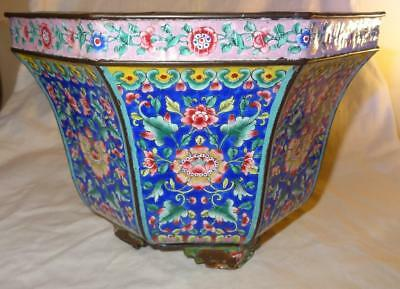 Large 19th Century CHINESE Canton Export Enamel Jardiniere / Pot