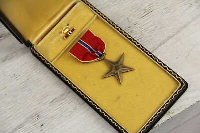 Vintage Bronze Star In Box With Pin Excellent Condition Military Honor Ribbon