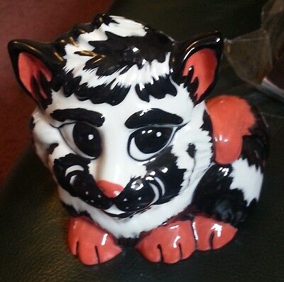 Lorna Bailey white/ Black/ Red Cat Excellent Condition FREE P&P