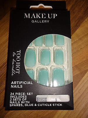 Make-Up Gallery Too Hot Green False Nails 24 Piece & Glue Party New